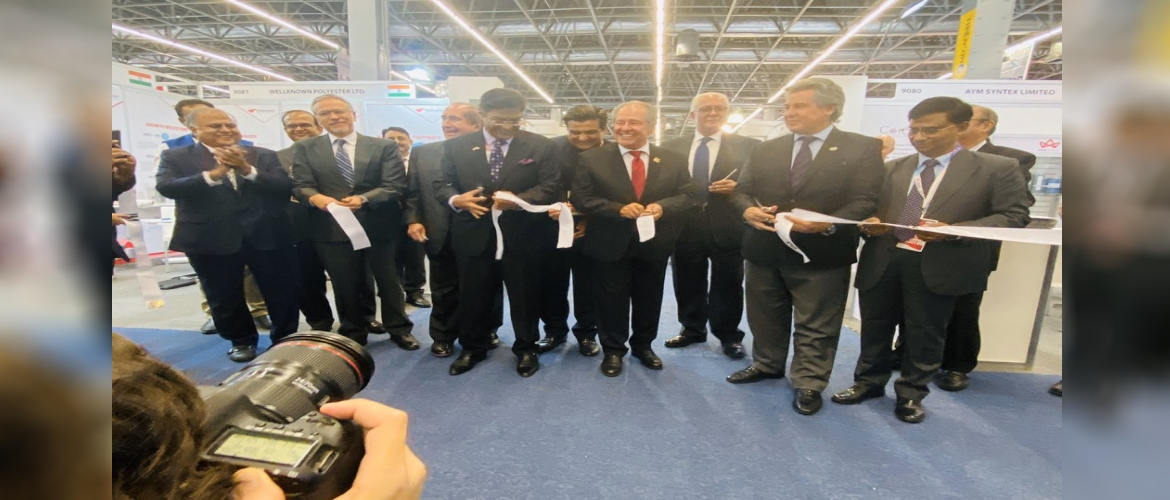Ambassador inaugurated the India Pavillion in Expo Intermoda where SRTEPC participated wtih 20 companies.